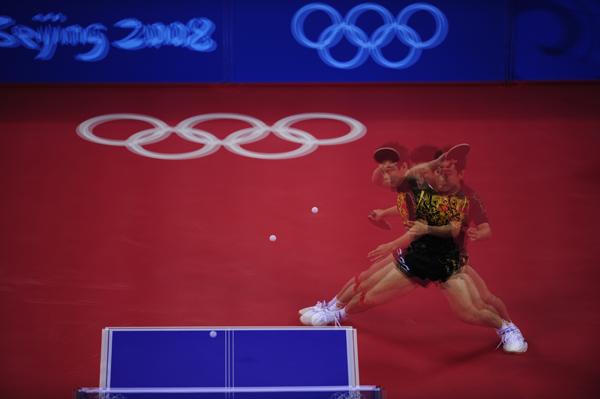图文-奥运会乒乓球经典瞬间回顾 王浩回球分解动作