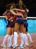 图文-中国女排2-3负美国女排 美国姑娘庆祝胜利