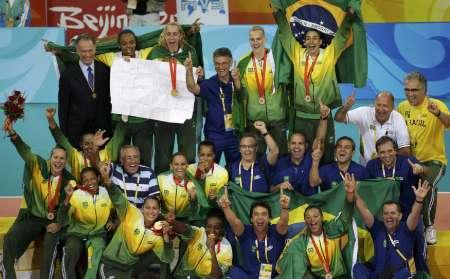 图文-[奥运]女排巴西3-1美国 巴西全队合影