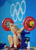 图文-女子举重48公斤级决赛 普雷沃抓举失败
