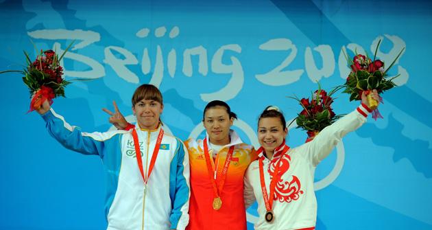 图文-[奥运]女子举重75公斤 中国姑娘曹磊最美