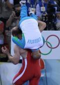 图文-奥运会自由式摔跤回顾 扛起教练庆祝夺冠