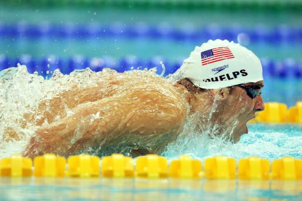 图文-男子400米个人混合泳预赛 菲尔普斯水中豪杰