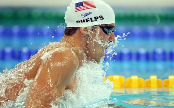 图文-男子400米个人混合泳预赛 菲尔普斯轻松第一