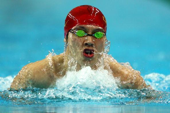 图文-9日奥运会游泳预赛比赛 薛瑞鹏水中搏击