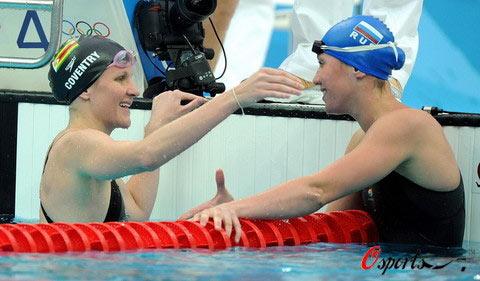图文-女子100米仰泳半决赛 考文垂庆祝打破记录