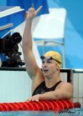 图文-奥运女子100米蝶泳决赛 特里克特挥手致意