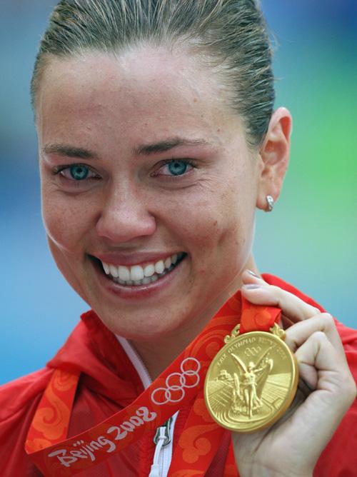 女子100米仰泳决赛