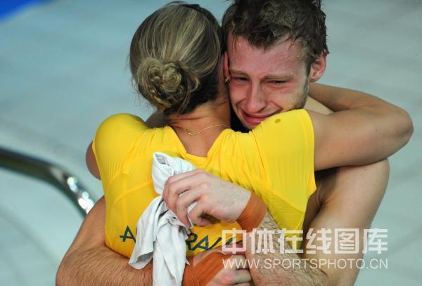 图文-男子10米跳台中国摘银 米查姆激动的泪水