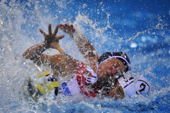 图文-奥运水球经典瞬间回顾 女子竞争也惨烈