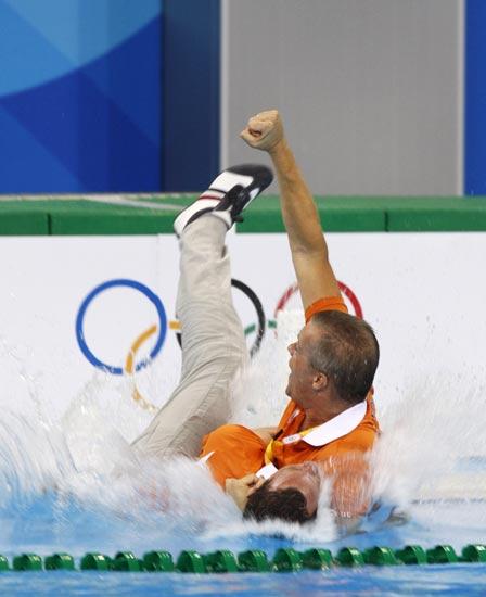 图文-奥运水球经典瞬间回顾 开怀庆祝下水也无妨