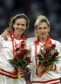 图文-女子3000米障碍赛 金牌铜牌得主合影