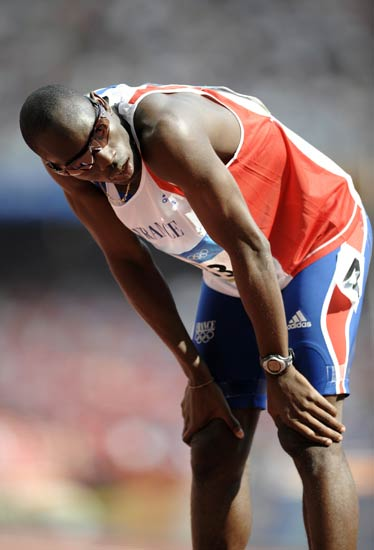 图文-奥运会男子400米预赛 德琼预赛后休息