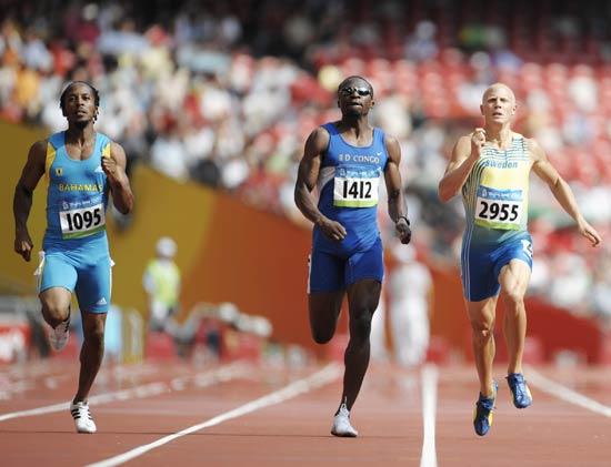 图文-奥运会男子400米预赛 预赛的较量也不轻松