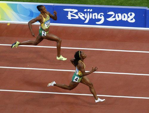 图文-女子100米牙买加选手夺金 优势极其明显