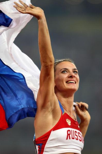 图文-奥运会女子撑杆跳决赛 伊辛巴耶娃一脸兴奋