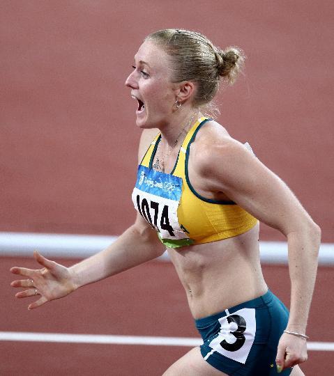图文-奥运女子100米栏决赛赛况 麦克莱伦获亚军