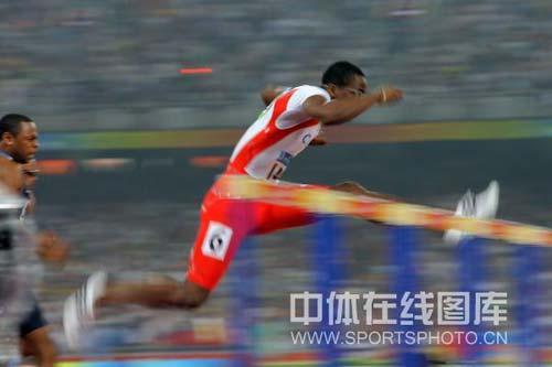 图文-奥运男子110米栏罗伯斯夺冠 速度如此之快