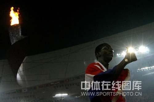 图文-奥运男子110米栏罗伯斯夺冠 我是第一