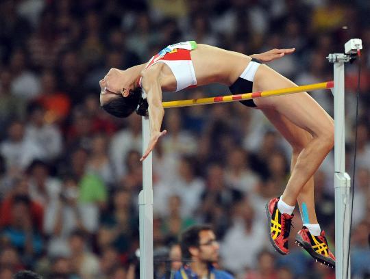 图文-女子跳高比利时选手夺金 埃勒博身轻如燕