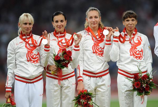 图文-[奥运]女子4x400米接力 俄罗斯队获得亚军