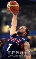图文-[奥运]美国男篮97-76安哥拉 德隆跃起扣篮