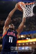图文-[奥运]美国男篮97-76安哥拉 魔兽统治内线