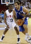图文-[奥运会]美国男篮92-68希腊 斯潘突破保罗