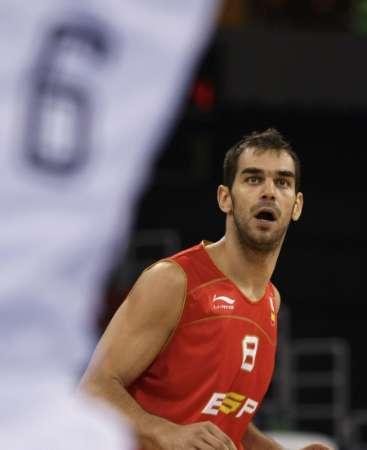 图文-西班牙男篮VS德国男篮 卡尔德隆呆目而视