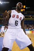 图文-[奥运]美国男篮92-69希腊 詹姆斯赛场大吼