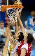 图文-[男篮]阿根廷胜克罗地亚 德尔菲诺强行上蓝