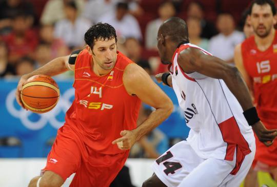 图文-男篮预赛安哥拉50-98西班牙 蒙布鲁带球突破