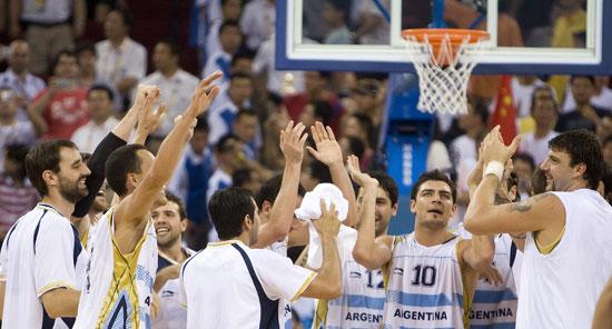图文-[奥运男篮]阿根廷80-78希腊 我们进四强了