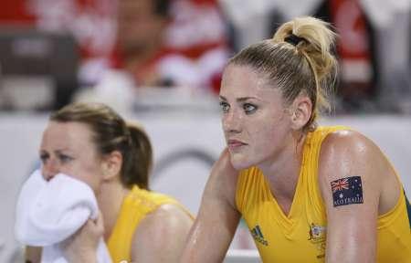 图文-[女篮决赛]美国92-65澳大利亚 看着队伍失败