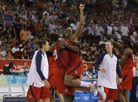 图文-[女篮决赛]美国92-65澳大利亚 我想飞起来