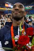 图文-美国男篮118-107西班牙 科比夺金心满意足