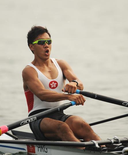 图文-男子单人双桨预赛 中国香港选手罗晓峰