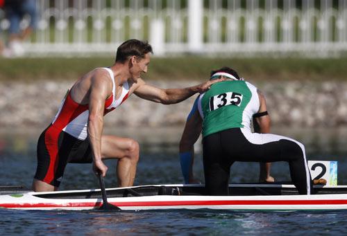 图文-皮划艇静水赛事精彩回顾 亚军与冠军得主