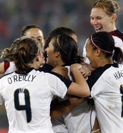 奥运会-美国女足加时赛一锤定音1-0力克巴西夺冠
