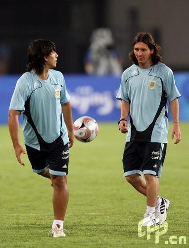 梅西参加阿根廷男足训练
