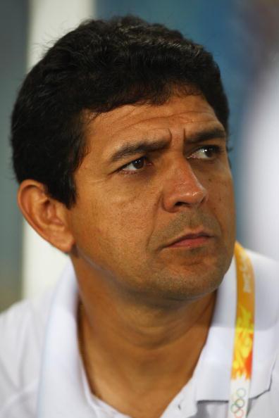 图文-奥运会女足决赛美国VS巴西  巴西女足教练