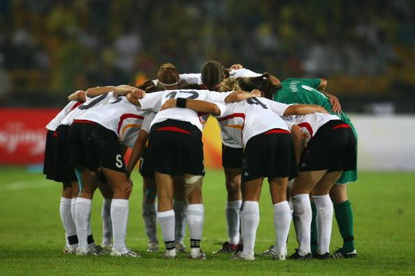 图文-德国女足2-0日本获铜牌 德国姑娘完成任务
