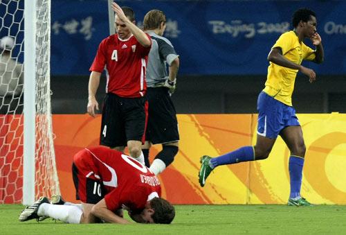 图文-男足巴西胜比利时摘铜 无奈又失一球