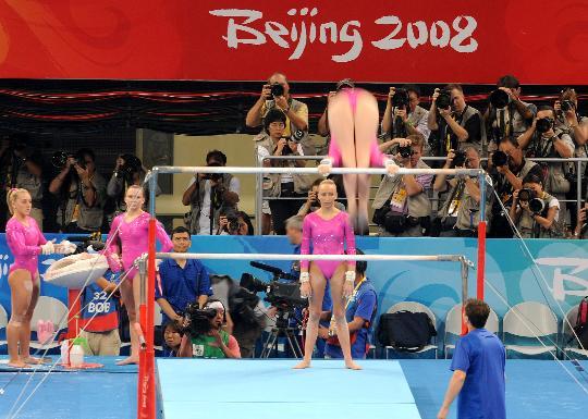 图文-各国体操队训练 美国女队在训练