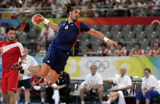 图文-北京奥运男子手球决赛赛况 无法阻挡的射门