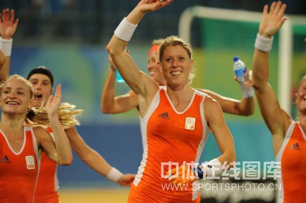 女曲半决赛荷兰胜阿根廷