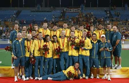 图文-澳大利亚男曲胜荷兰摘铜 澳大利亚队合影