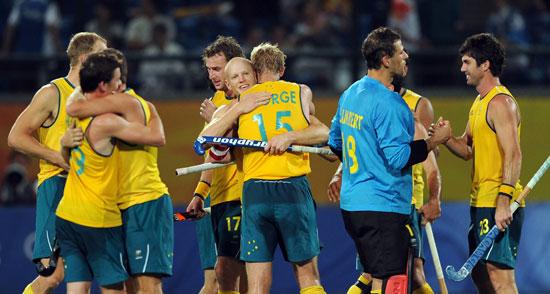 图文-澳大利亚男曲胜荷兰摘铜 澳大利亚队庆祝胜利