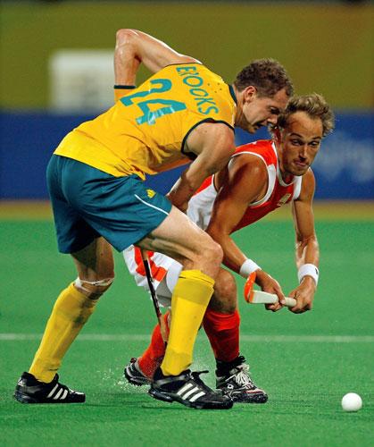 图文-澳大利亚男曲胜荷兰摘铜 双方争抢