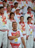 图文-俄罗斯代表团升旗仪式 代表团成员一脸自豪